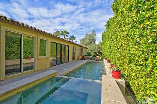 46180 Cypress Estates Court, Palm Desert CA: http://media.crmls.org/medias/c248d3b7-6085-4754-ab77-a74ebfba2c6c.jpg
