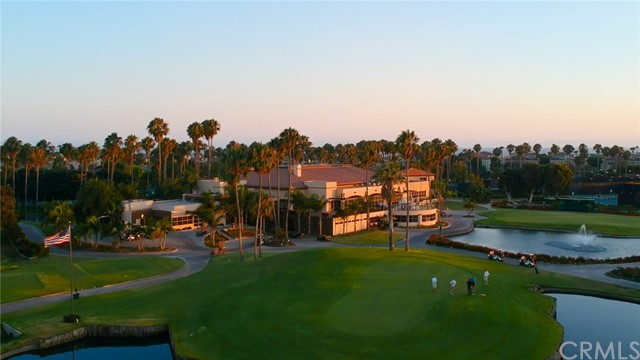 19302 Beckonridge Lane, Huntington Beach CA: http://media.crmls.org/medias/c24c1cd8-a74a-42b2-9212-b77dd6c5915d.jpg