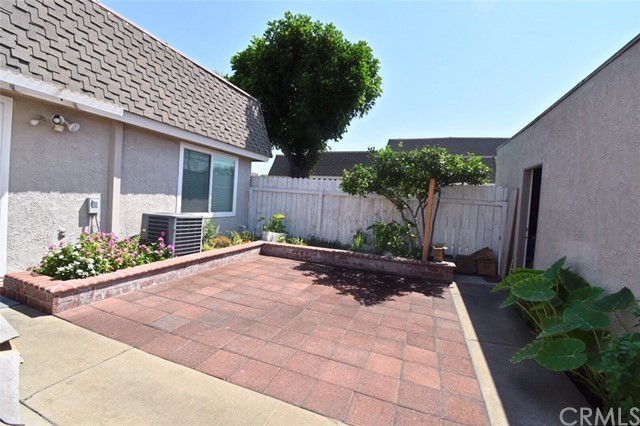 2155 W Essex Cr, Anaheim, CA 92804 Photo 10