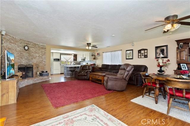 219 8th street, Norco CA: http://media.crmls.org/medias/c256322a-5724-4a4f-884e-8ceb5adc0043.jpg
