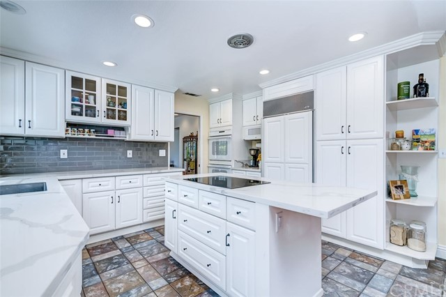 164 Villa Rita Drive, La Habra Heights CA: http://media.crmls.org/medias/c266d32b-c1df-4b66-b12f-e2ad49f1b781.jpg