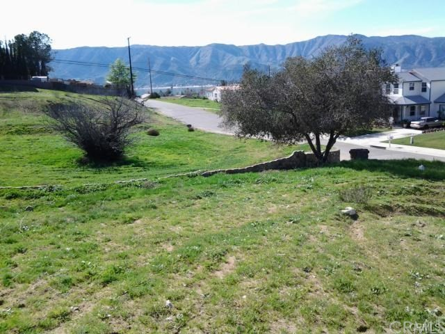 218 Emerald Bay , CA 92651 is listed for sale as MLS Listing LG18191088