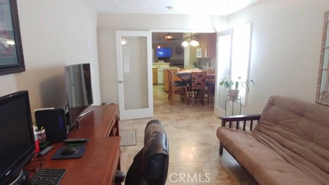 15409 Caroline Street, Fontana CA: http://media.crmls.org/medias/c272145d-baef-44a1-8f68-9ad64d05735b.jpg