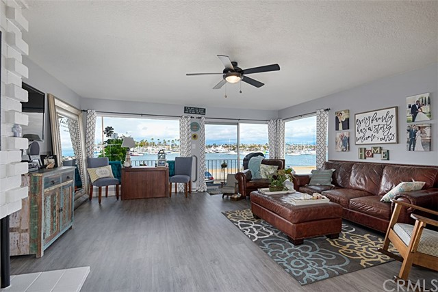 1807 W Bay Avenue, Newport Beach, CA 92663