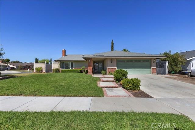 805 Cottonwood Street, Corona CA: http://media.crmls.org/medias/c29ddc49-e131-464d-b79a-a3de52b96db0.jpg