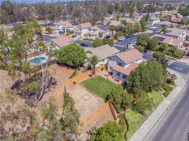 24791 Sweetgrass Court, Murrieta CA: http://media.crmls.org/medias/c2a55eae-f6c5-4670-8a3c-d6d8dc06aae1.jpg