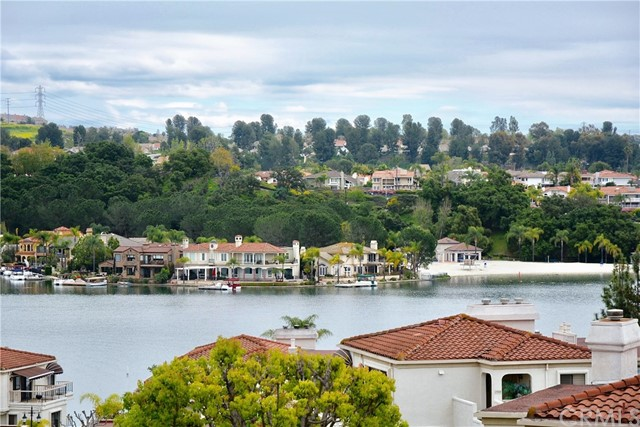 27786 Soller Mission Viejo, CA 92692 is listed for sale as MLS Listing OC17059389