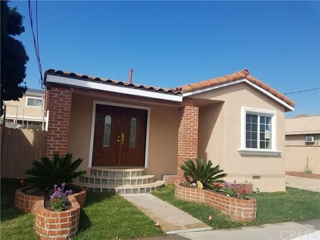 Single Family Home for Rent at 14425 Prairie Ave. Lawndale, California 90260 United States