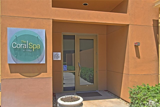 61445 Living Stone Drive, La Quinta CA: http://media.crmls.org/medias/c2b37306-fd1f-4573-9306-9815e9cecca0.jpg