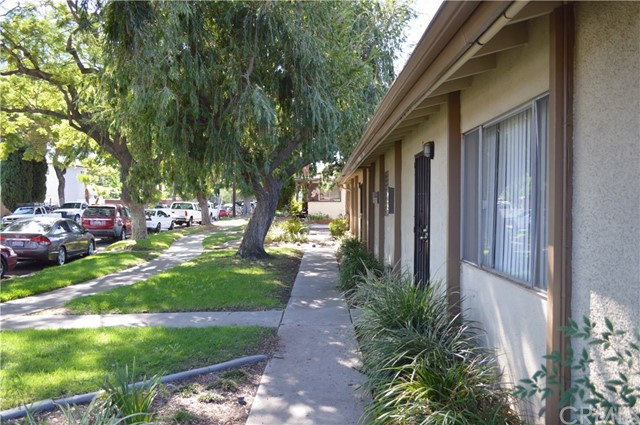 227 S Canoga Pl, Anaheim, CA 92804 Photo 4