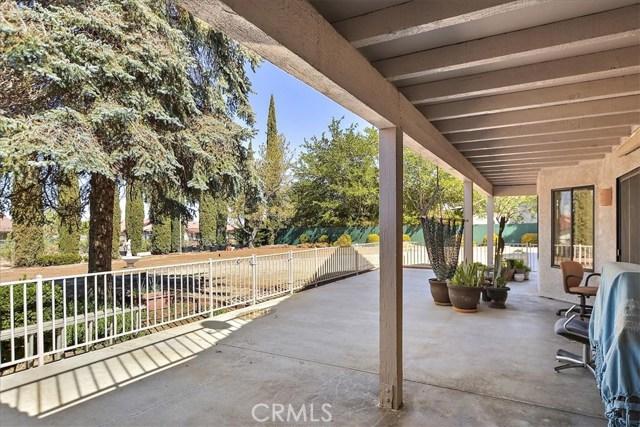 13094 Modoc Court, Apple Valley CA: http://media.crmls.org/medias/c2bc6b57-773c-4617-95bf-0ed127d4e1ba.jpg