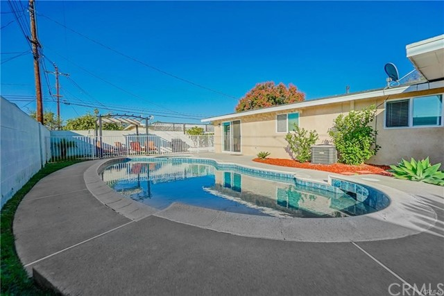 955 N Fern St, Anaheim, CA 92801 Photo 24