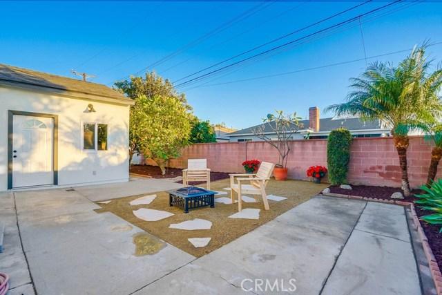 10412 Hopland Street, Bellflower CA: http://media.crmls.org/medias/c2e797dd-68e7-45ac-a76d-db28646303bb.jpg