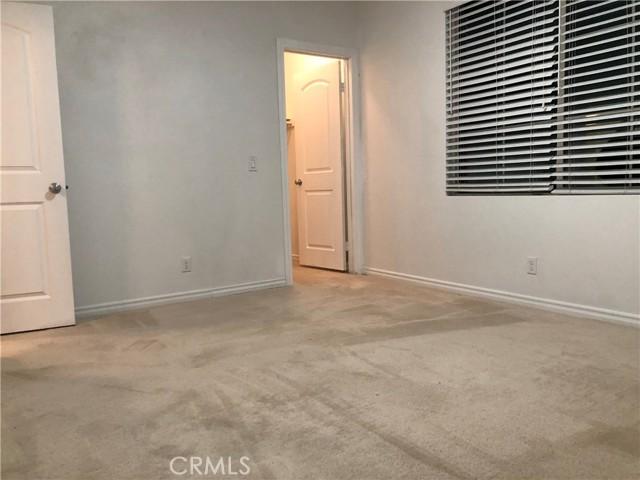 3385 Nearbrook Lane, Riverside CA: http://media.crmls.org/medias/c2ec7f8a-4d2f-4efe-80a5-f2ee6a7e459d.jpg