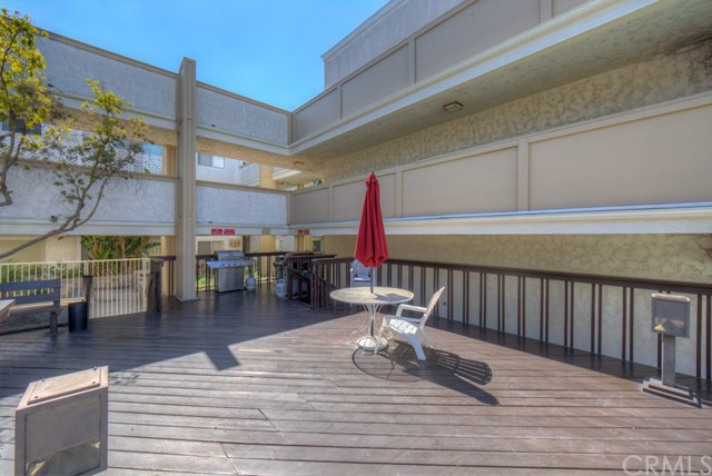 3565 Linden Avenue, Long Beach CA: http://media.crmls.org/medias/c2f5469e-f7bf-481c-9257-2e69faa8f5e2.jpg