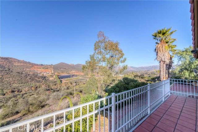 764 Rainbow Hills Road, Fallbrook CA: http://media.crmls.org/medias/c30c4618-bca0-4f42-acae-aaafd0af1ac5.jpg