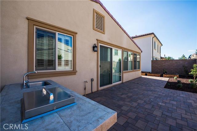 206 Desert Bloom, Irvine CA: http://media.crmls.org/medias/c30e0331-f000-4a2d-9cec-675004b5b508.jpg