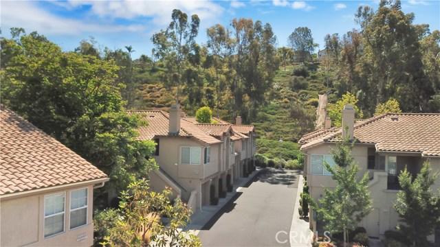 87 Waxwing Lane, Aliso Viejo CA: http://media.crmls.org/medias/c311c485-d36c-4928-9774-7fb70e5536d2.jpg