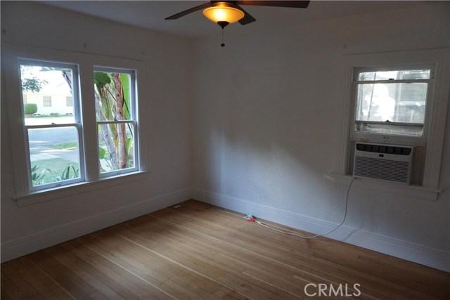 422 N 8th Avenue, Upland CA: http://media.crmls.org/medias/c3133fc8-3d80-4848-924d-0bbe1f3fc034.jpg