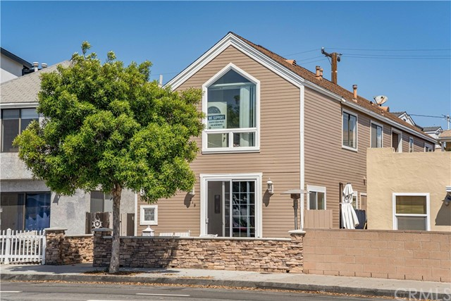 219 32nd Street, Newport Beach, California 92663, ,Residential Income,For Sale,32nd,CV21114145