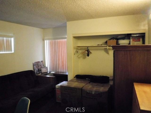 1456 Hillside Drive, Pomona CA: http://media.crmls.org/medias/c3181f6a-8eed-4803-9b86-770b787670e9.jpg
