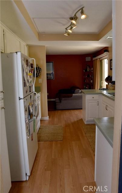 9379 Delfern Lane, Riverside CA: http://media.crmls.org/medias/c321100c-aaba-4bc1-9918-ba7e06ace86d.jpg