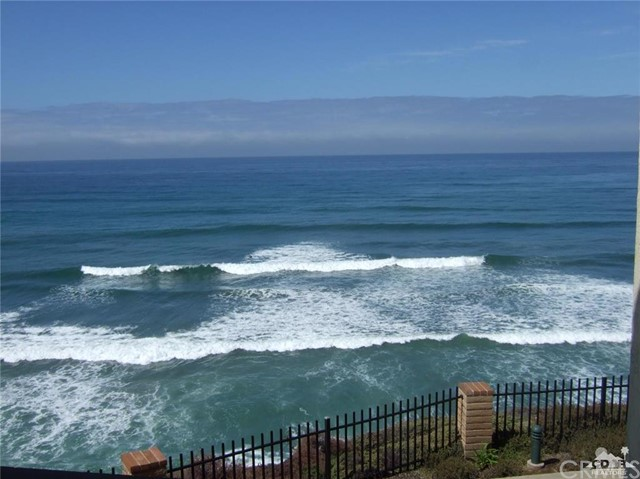 Condominium for Rent at 190 Del Mar Shores Terrace Solana Beach, California 92075 United States