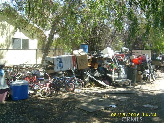 7401 Katella Avenue, Stanton CA: http://media.crmls.org/medias/c3300f14-b386-4104-8bae-9c03cb2bde75.jpg