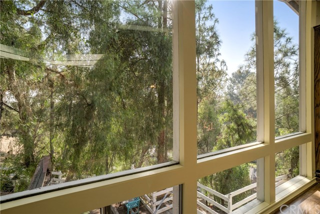 18 Ranchview Road, Rolling Hills Estates CA: http://media.crmls.org/medias/c346e040-3305-4a01-8cc6-698fcfa287b0.jpg
