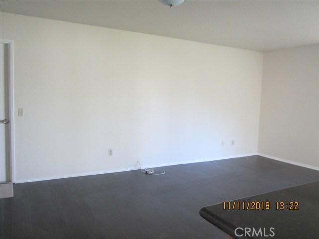 11212 Greenhurst Drive, Riverside CA: http://media.crmls.org/medias/c356a1cd-eaee-4cb3-9553-04353b3c1f78.jpg