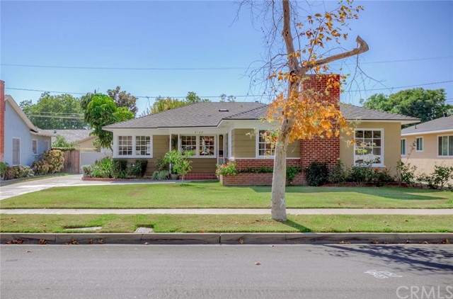 Single Family Home for Sale at 2122 North Towner St 2122 Towner Santa Ana, California 92706 United States