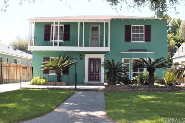 Single Family Home for Sale at 2340 Oakmont Avenue Santa Ana, California 92706 United States