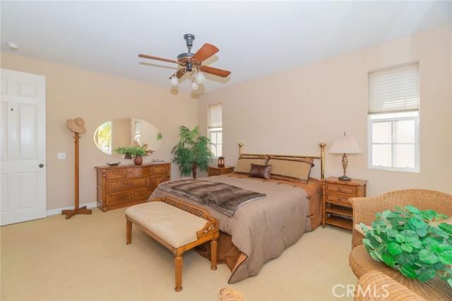 5941 Spinnaker Bay Drive, Long Beach CA: http://media.crmls.org/medias/c367c9fc-6921-4a1e-ad60-13152d4996d2.jpg