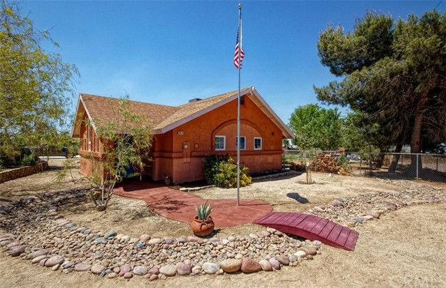 10414 Sierra Vista Road Phelan CA 92371