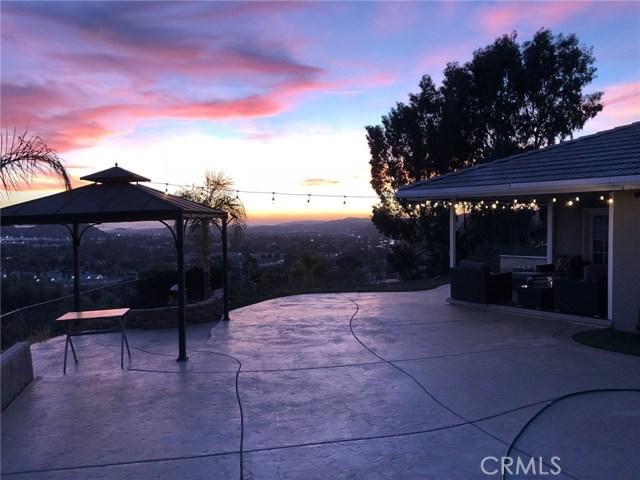 980 Hillcrest Drive, Pomona CA: http://media.crmls.org/medias/c37fbb44-3f7c-4e41-8609-27f7f5fb4b0c.jpg