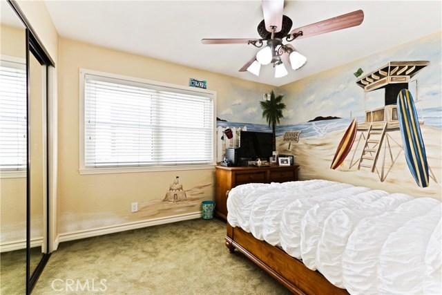 315 21st Street, Huntington Beach CA: http://media.crmls.org/medias/c38af236-e590-4627-87ee-54febe9635f7.jpg
