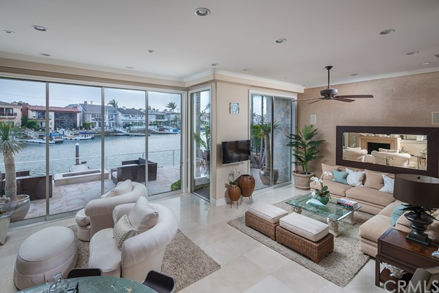 Single Family Home for Sale at 701 Bayside Drive Newport Beach, California 92660 United States