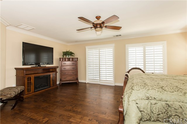26931 Lemon Grass Way, Murrieta CA: http://media.crmls.org/medias/c39254ff-b2a3-40a7-a837-70b67e55a7c7.jpg