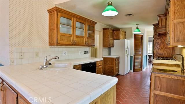 823 Glendenning Way, San Bernardino CA: http://media.crmls.org/medias/c3a56e34-b017-4dd0-9b42-2b2f4de919bb.jpg