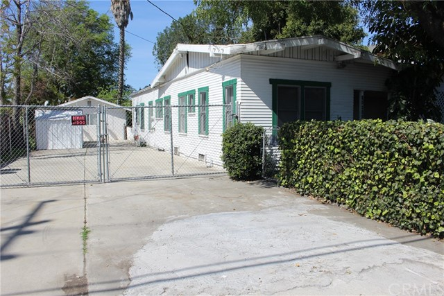 Single Family for Sale at 21815 Verne Avenue Hawaiian Gardens, California 90716 United States