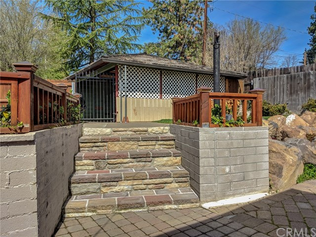 501 Discovery Street, Yreka CA: http://media.crmls.org/medias/c3bdde4e-b708-47c5-8504-2752bfa95d9d.jpg