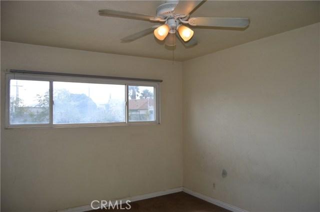 26179 6th Street, Highland CA: http://media.crmls.org/medias/c3d961b5-d121-465d-8e1d-8655fd1339bc.jpg