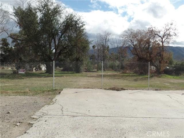 824 E Lakeshore Drive, Lake Elsinore CA: http://media.crmls.org/medias/c3dcf132-c415-4c03-9746-1d830cdef963.jpg