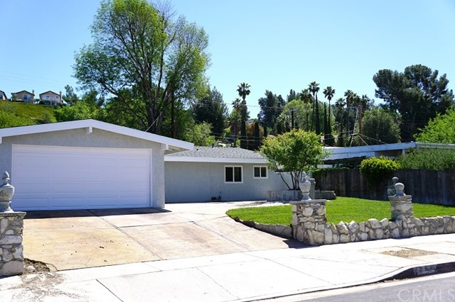 27368 Crossglade Avenue Canyon Country, CA 91351 is listed for sale as MLS Listing CV17081901