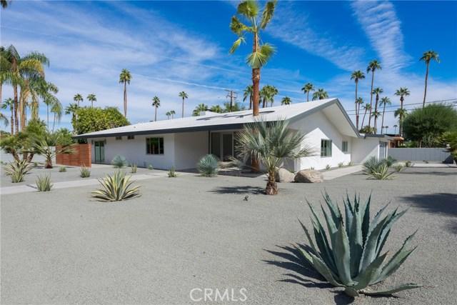 1166 S Sagebrush Road, Palm Springs CA: http://media.crmls.org/medias/c3e40040-ec95-4860-a8bf-a231a508b71b.jpg