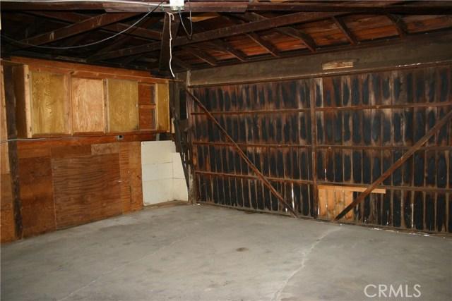 15808 Victoria Avenue, La Puente CA: http://media.crmls.org/medias/c3fe2dbd-b6d9-40e2-98a1-514c9de693d2.jpg