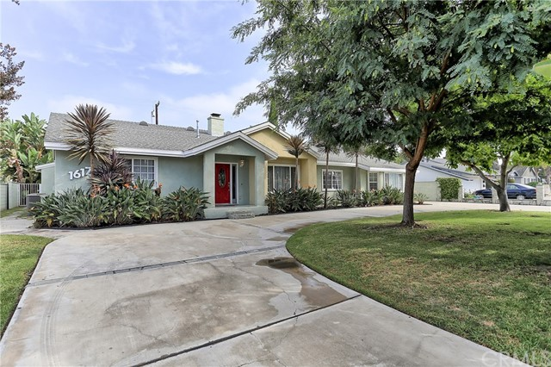 Photo of 1617 W Mells Lane, Anaheim, CA 92802