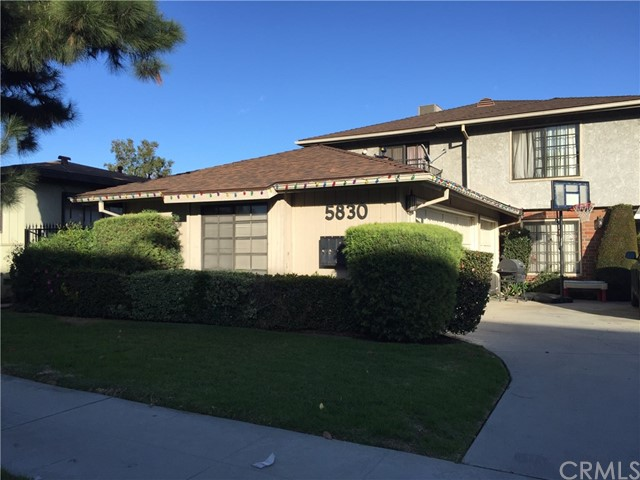 5830 Cloverly Avenue, Temple City CA: http://media.crmls.org/medias/c40bf64b-6f1c-4547-80b1-a8594085312e.jpg