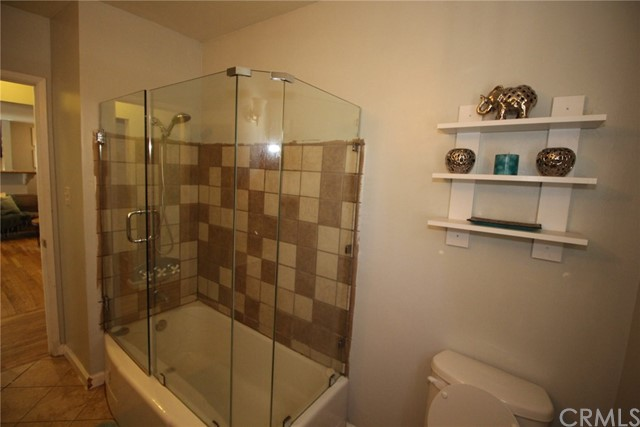 9006 Gladbeck Avenue Northridge, CA 91324 is listed for sale as MLS Listing OC18206957