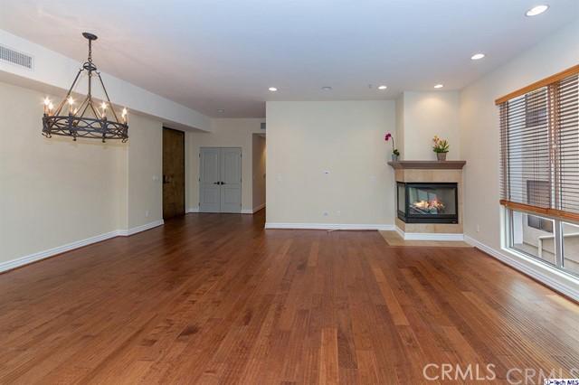 10913 Whipple Street Unit 205 Toluca Lake, CA 91602 - MLS #: 318001284